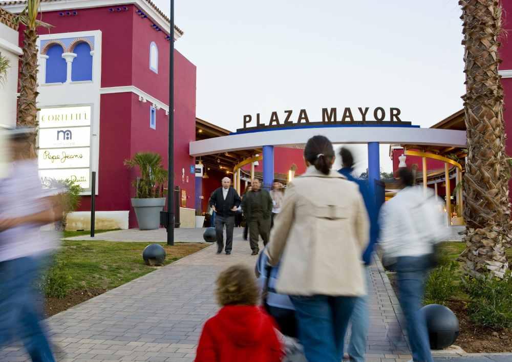 Plaza Mayor Shopping