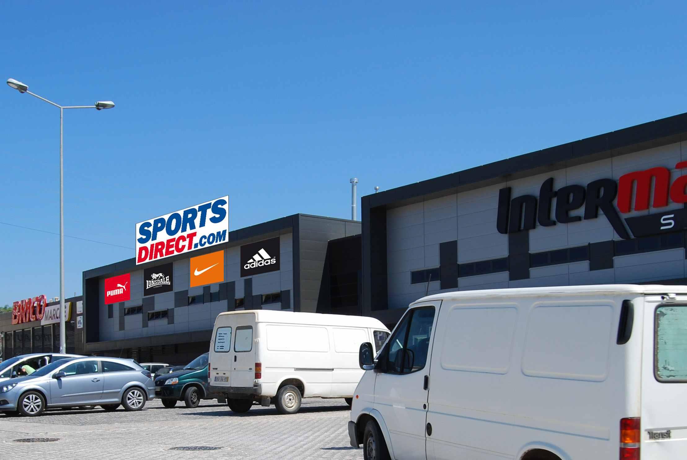 dba6bacf0e Britânica Sports Direct quer mais 4 lojas até Março de 2012
