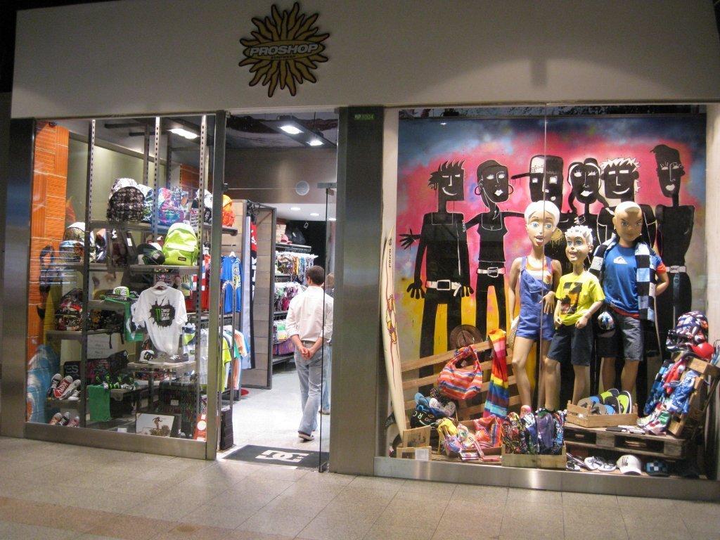 Amoreiras contraria crise e abre 4 lojas - Hipersuper - Hipersuper 3a7804d799