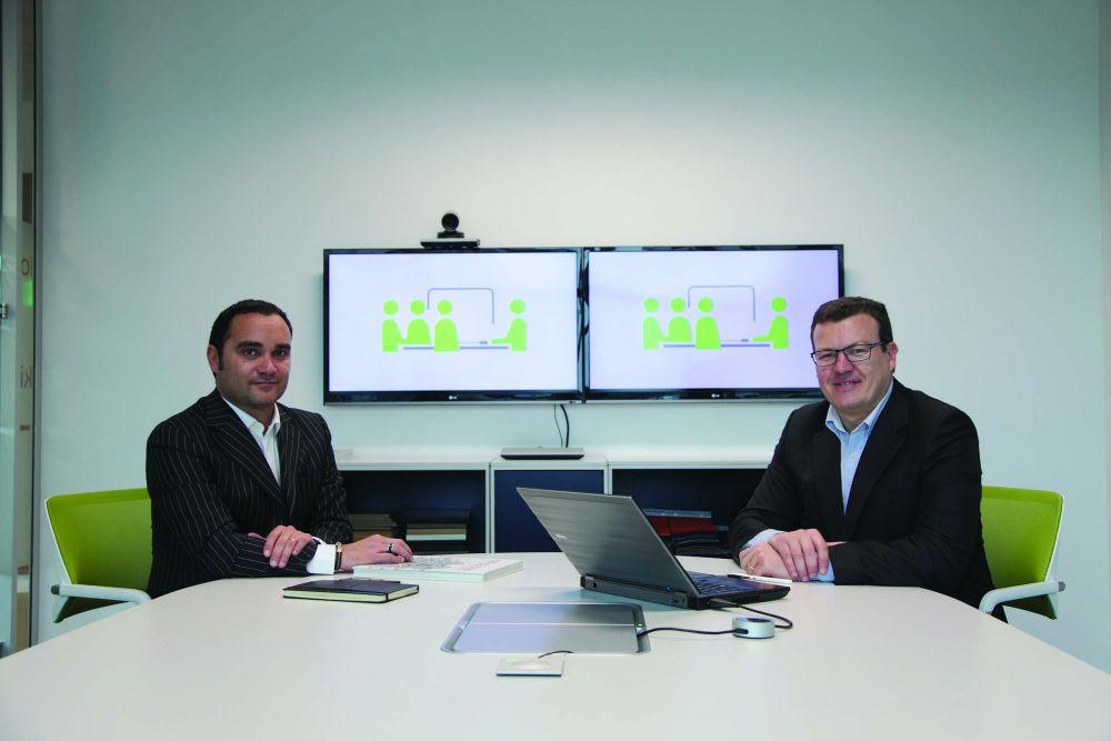 Os autores: o jornalista José Gabriel Quaresma e Carlos Gonçalves, do Avila Business Centers