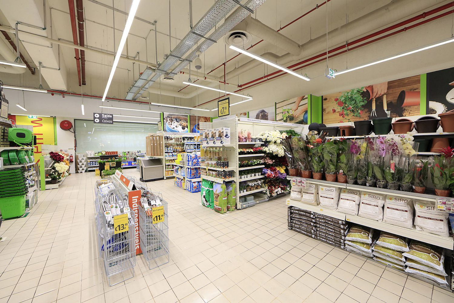 e7c533d90 A 38ª loja AKI em Portugal abriu recentemente junto ao hipermercado  Continente do LoureShopping (distrito de Lisboa). A insígnia de decoração e  bricolage ...