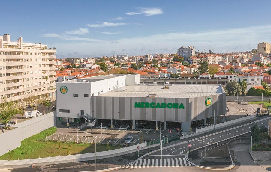 Foto 3 Loja Mercadona, na rua Domingos Sequeira, Porto