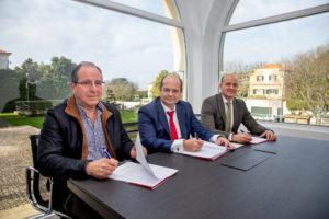 Assinatura do Contrato_ Silvino Gonçalves, diretor de Sulpateis, Luís Miguel Simarro, diretor geral de Congalsa e Júlio Simarro, diretor Comercial e Marketing de Congalsa