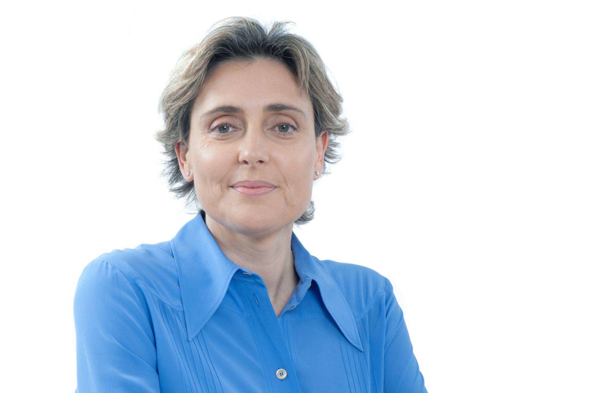 Claudia Azevedo baixo VL