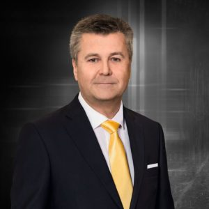Christian Erlach, member of the board of management sales na Jungheinrich